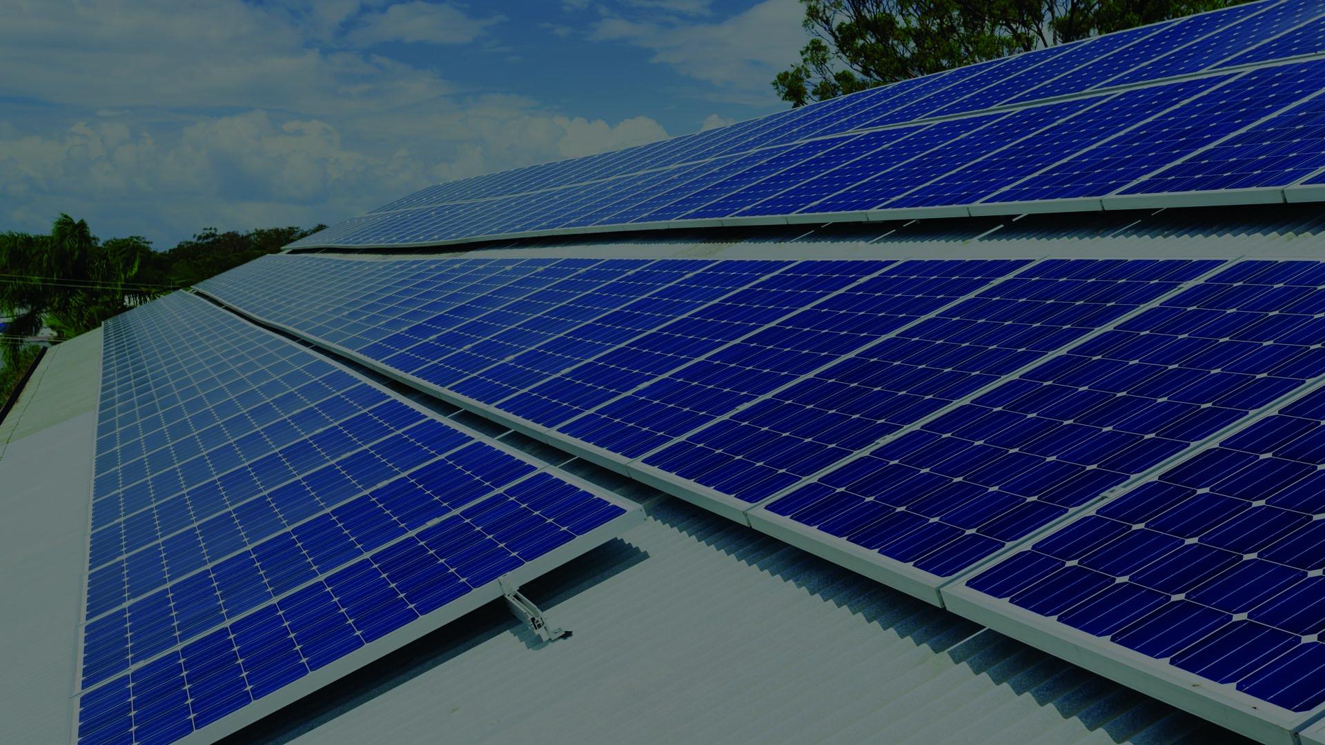 Sončna elektarna kot lasten brezplačen vir električne energije.