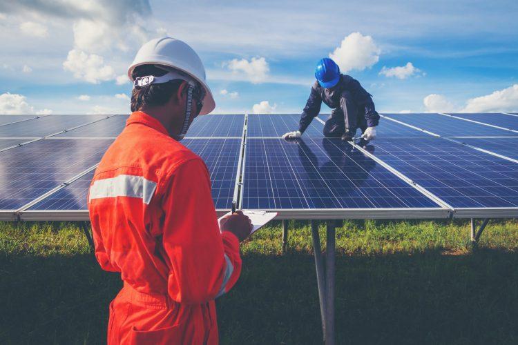 Energija plus nudi pomoč pri dokumentaciji in pridobitvi nepovratnih sredstev.